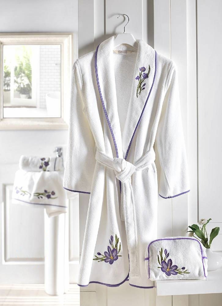 Халат махровый Blossom с вышивкой Soft