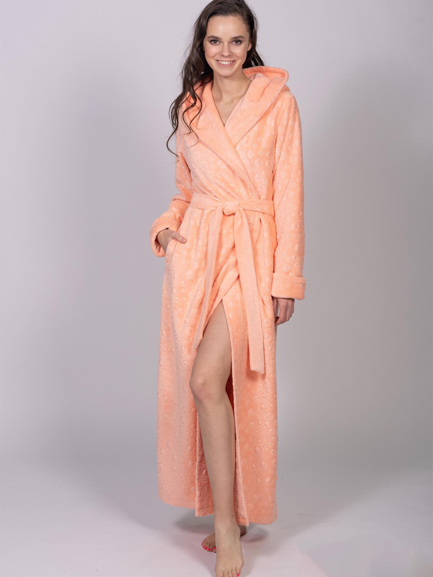 Длинный халат с капюшоном 1109 Delain персиковый Wien