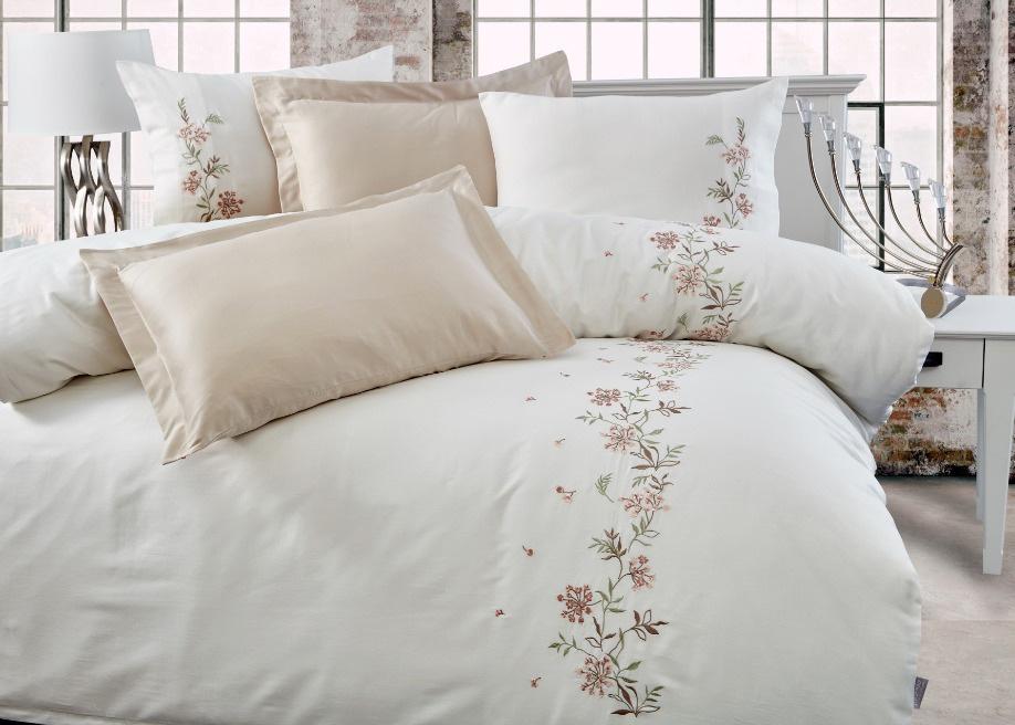 Комплект белья из сатина с вышивкой 11431 Marina кремовый Doco
