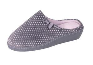 Новое поступление домашней обуви от именитого бренда Isotoner!