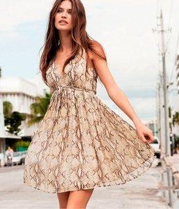 Яркие поступления женских новинок летнего гардероба - платья, сарафаны, брюки и т.д.