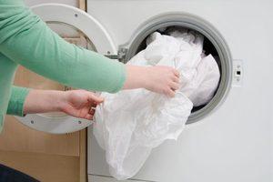 Нужно ли стирать новое постельное белье?
